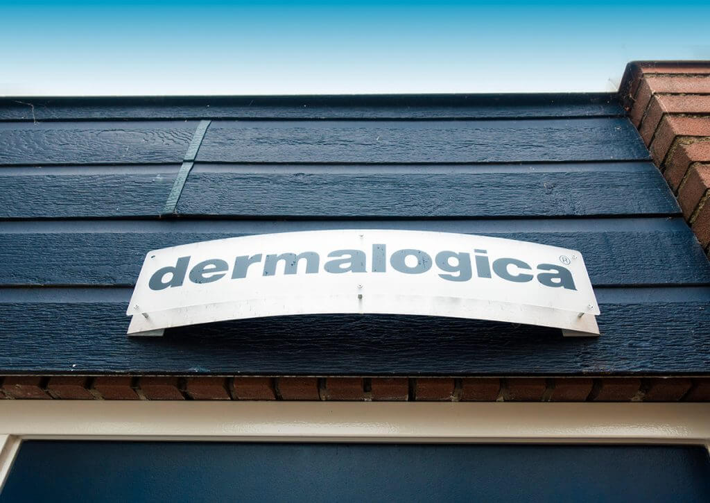 dermalogica-logo-muur